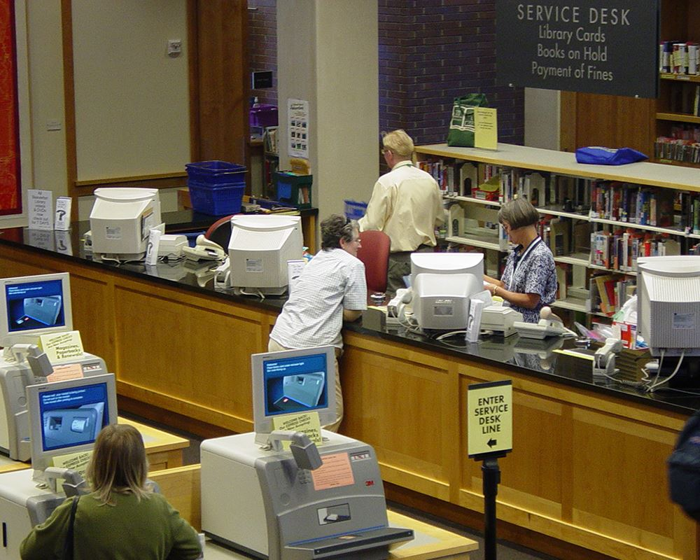 beaverton-city-library-5th-hall-service-desk-2002